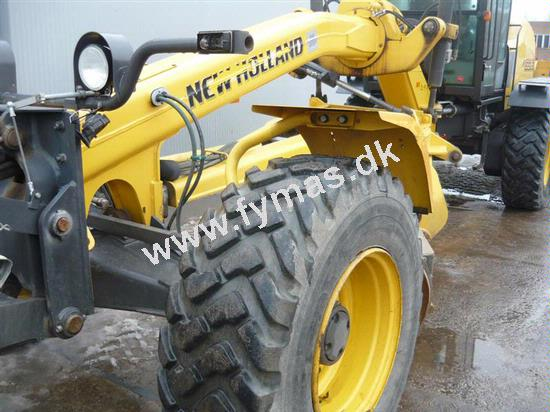 New Holland F156.6 - 6x6 All Wheel Drive