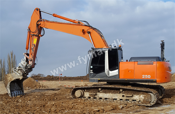 Hitachi ZX250 LC-3  w/Rotortilt and GPS !
