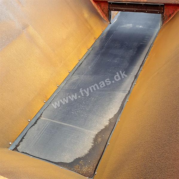 Hydrema 912 D m/Bredal sandudlægger