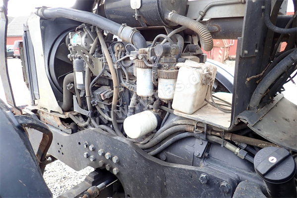 Valtra M120-4  Speed 40-45 km/h