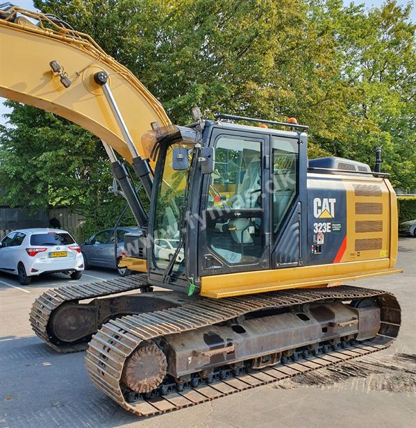 Caterpillar 323 E